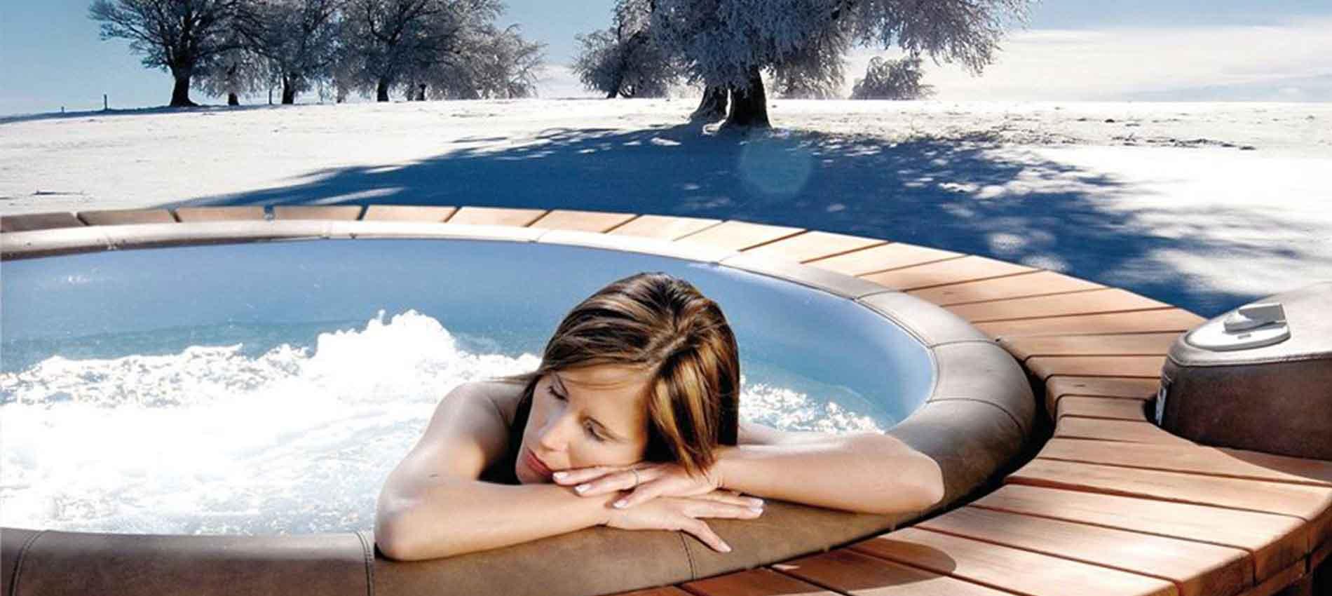 Softub Whirlpool im Schnee